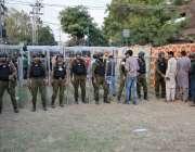 لاہور: پاکستان اور سری لنکا کے درمیان دوسرے ٹی ٹونٹی کے موقع پر پولیس ..