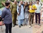 لاہور: پنجاب اسمبلی میں قائد حزب اختلاف حمزہ شہباز کی گرفتاری کے لیے ..