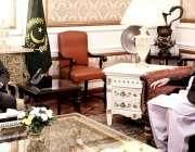 لاہور:صدر پاکستان ڈاکٹر عارف علوی اور قائم مقام گورنر پنجاب چودھری ..