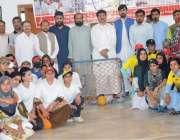 پشاور: ڈپٹی سپیکر قومی اسمبلی محمود خان خیبر پختونخوا گرلز چک بال چمپئن ..