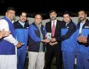 لاہور: ایمرا سپورٹس فیسٹیول میں صدر لاہور پریس کلب اعظم چوہدری مین ..