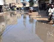 حیدرآباد: گڈس ناکا روڈ پر سیوریج کا پانی جمع ہونے کا نظارہ اور متعلقہ ..