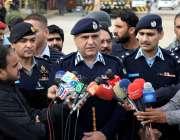 اسلام آباد: آئی جی اسلام آباد محمدعامرذوالفقار کشمیر ہائی وے کے مختلف ..