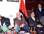 اسلام آباد: پاکستان پیپلز پارٹی کے شریک چیئرمین آصف علی زرداری پریس ..
