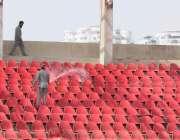 کراچی: نیشنل سٹیڈیم میں پی ایس ایل4کے فائنل میچز کے سلسلہ کرسیاں دھوئی ..