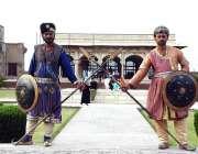 لاہور: شہری بڑی تعداد میں شاہی قلعہ کی سیر و تفریح کر رہے ہیں۔