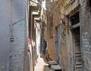 راولپنڈی: بھا بڑا بازار میں قدیم تنگ گلیوں سے علاقہ مکینوں کو گزرنے ..