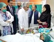 اسلام آباد: وزیر اعظم کے معاون خصوصی برائے صحت ڈاکٹر ظفر مرزا پمز ہسپتال ..