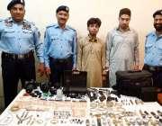 اسلام آباد سی آئی اے پولیس کی بڑی کارروائی میں گرفتار کئے گئے دوملزمان ..