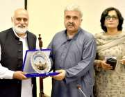 لاہور: وائس چانسلر نیاز احمد اختر خیبر پختونخوا سے ائے وفد کی قیادت ..