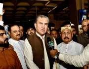 کراچی: وفاقی وزیر برائے امور خارجہ شاہ محمود قریشی کراچی ایئرپورٹ آمد ..