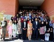 اسلام آباد: صدر آئی سی سی آئی احمد حسن مغل اور نسٹ انٹر پرینیورشپ کلب ..