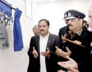 لاہور: وزیر اعلیٰ پنجاب عثمان بزدار سیف سٹیز اتھارٹی کے ہیڈ آفس میں ..