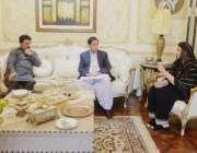 لاہور: سپیکر پنجاب اسمبلی چوہدری پرویز الٰہی تحریک انصاف کی رکن اسمبلی ..