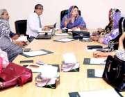 لاہور: وزیر صحت پنجاب ڈاکٹر یاسمین راشد محکمہ پرائمری اینڈ سیکنڈری ..