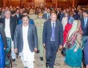 لاہور: گورنر پنجاب چوہدری محمد سرور اور وزیر اعلیٰ عثمان بزدار صوبائی ..