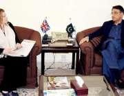 اسلام آباد: وفاقی وزیر خزانہ اسد عمر سے سیکرٹری آف سٹیٹ انٹر نیشنل ڈویلپمنٹ ..