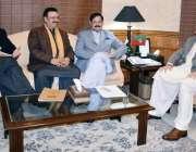 پشاور: وزیر اعلیٰ خیبر پختونخوا سے سپیکر خیبر پختونخوا اسمبلی مشتاق ..