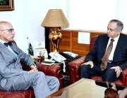 اسلام آباد: وزیر اعظم کے معاون خصوصی برائے ٹیکسٹائل، انڈسٹری عبدالرزاق ..