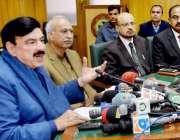 لاہور: وفاقی وزیر ریلوے شیخ رشید احمد ریلوے ہیڈ کوارٹر میں پریس کانفرنس ..