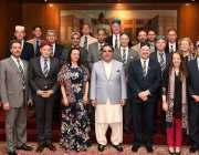کراچی: گورنر سندھ عمران اسماعیل کا برطانوی ڈپٹی کمشنر ایلن برنز اور ..