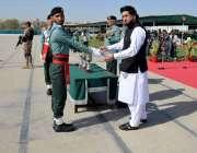 لاہور: وزیر مملکت برائے داخلہ شہر یار خان آفریدی رینجرز ہیڈ کوارٹرز ..