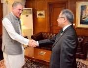 اسلام آباد: وزیر خارجہ شاہ محمود قریشی سے نئے سیکرٹری خارجہ سہیل محمود ..