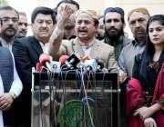 کراچی: پی ٹی آئی سندھ کے پارلیمانی لیڈر حلیم عادل شیخ سندھ اسمبلی کے ..