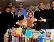 اسلام آباد: اسلام آباد بار ایسوی ایشن کے صدر چودھری خانزاده،سابق سینیٹرو ..