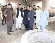 لاہور : لا ہورڈویلپمنٹ اتھارٹی کے ڈائریکٹر جزل محمد عثمان معظم ٹھوکر ..