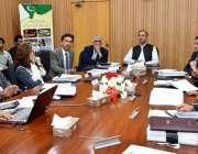 اسلام آباد: وفاقی وزیر پٹرولیم و قدرتی وسائل عمر ایوب خان اور ایس اے ..