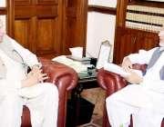 لاہور: گورنر پنجاب چوہدری محمد سرور سے ایڈیشنل جنرل سیکرٹری پی ٹی آئی ..