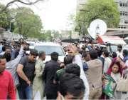 لاہور: پنجاب اسمبلی میں قائد حزب اختلاف حمزہ شہباز کی ہائیکورٹ سے واپسی ..