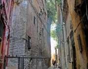 راولپنڈی: بھا بڑا بازار میں قدیمی عمارات دیکھ بھال نہ ہونے کے باعث خستہ ..