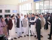 لاہور: وزیر اعظم عمران خان کو ہائیر پاکستان انڈسٹریل پارک فیز ٹو بارے ..