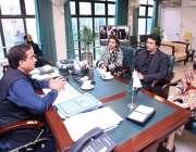 اسلام آباد: وزیر اعظم کے معاون خصوصی عثمان ڈار اور مشیر برائے موسمیاتی ..