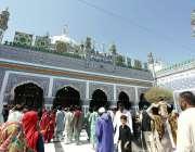 بھٹشاہ: حضرت شاہ عبد اللطیف بھٹائی کے مزار پر 276 ویں عرس کی تقریبات میں ..