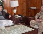 مظفر آباد: سپیکر اسمبلی شاہ غلام قادر سے سیکٹر کمانڈر ایس سی او کرنل ..