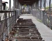لاہور: ریلوے کا خستہ حال پل، ناگزیر وجوہات کی بناء پر دو ماہ سے پل پر ..