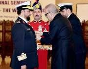 اسلام آباد: صدر مملکت ڈاکٹر عارف علوی، قطر کمانڈر میجر جنرل عبداللہ ..
