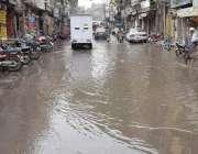 لاہور: واسا کی غفلت کے باعث ہسپتال روڈ پر سیوریج کا پانی جمع ہے۔