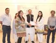 لاہور: لاہور آرٹس کونسل کے زیر اہتمام پانچ روزہ آئل پینٹنگ ورکشاپ کے ..