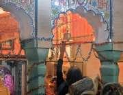 راولپنڈی: صد ر کر میں دیوالی کے موقع پر ہندو برادری کی خواتین مذہبی ..