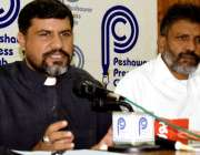 پشاور: چرچ پراپرٹی بچاؤتحریک پاکستان کے صدر کمسری بشپ جمی میتھو پریس ..
