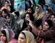 راولپنڈی: دیوالی کے موقع پر کر شنامندر میں ہندو برادری کی ایک خاتون ..