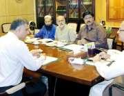 لاہور: چیف سیکرٹری پنجاب یوسف نسیم کھوکھر سول سیکرٹریٹ میں جنوبی پنجاب ..