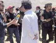 چترال: سینئر وزیر برائے سیاحت عاطف خان شندور میلے میں شرکت کے موقع پر ..