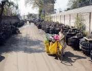 لاہور: واپڈا کی نا اہلی سڑک پڑے ٹرانسفارمز کی وجہ سے شہریوں کو مشکلات ..