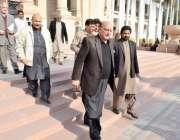 لاہور: وزیر قانون راجہ بشارت پنجاب اسمبلی کے اجلاس میں شرکت کے بعدواپس ..