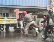 لاہور: تحریک انصاف کے سینئر رہنما عبدالعلیم خان کی احتساب عدالت پیشی ..
